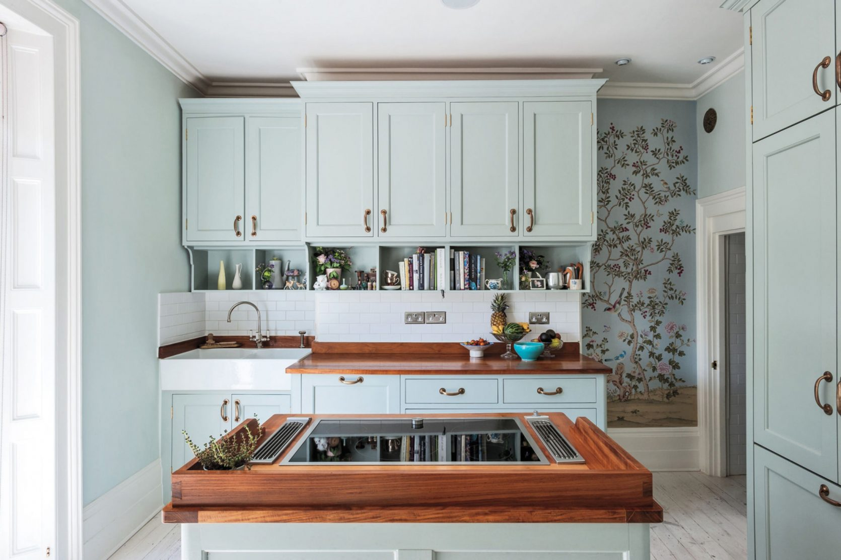 Emily-Henderson_Design-Trends_Modern-Chinoiserie_Updated-Examples_17-1670x1112