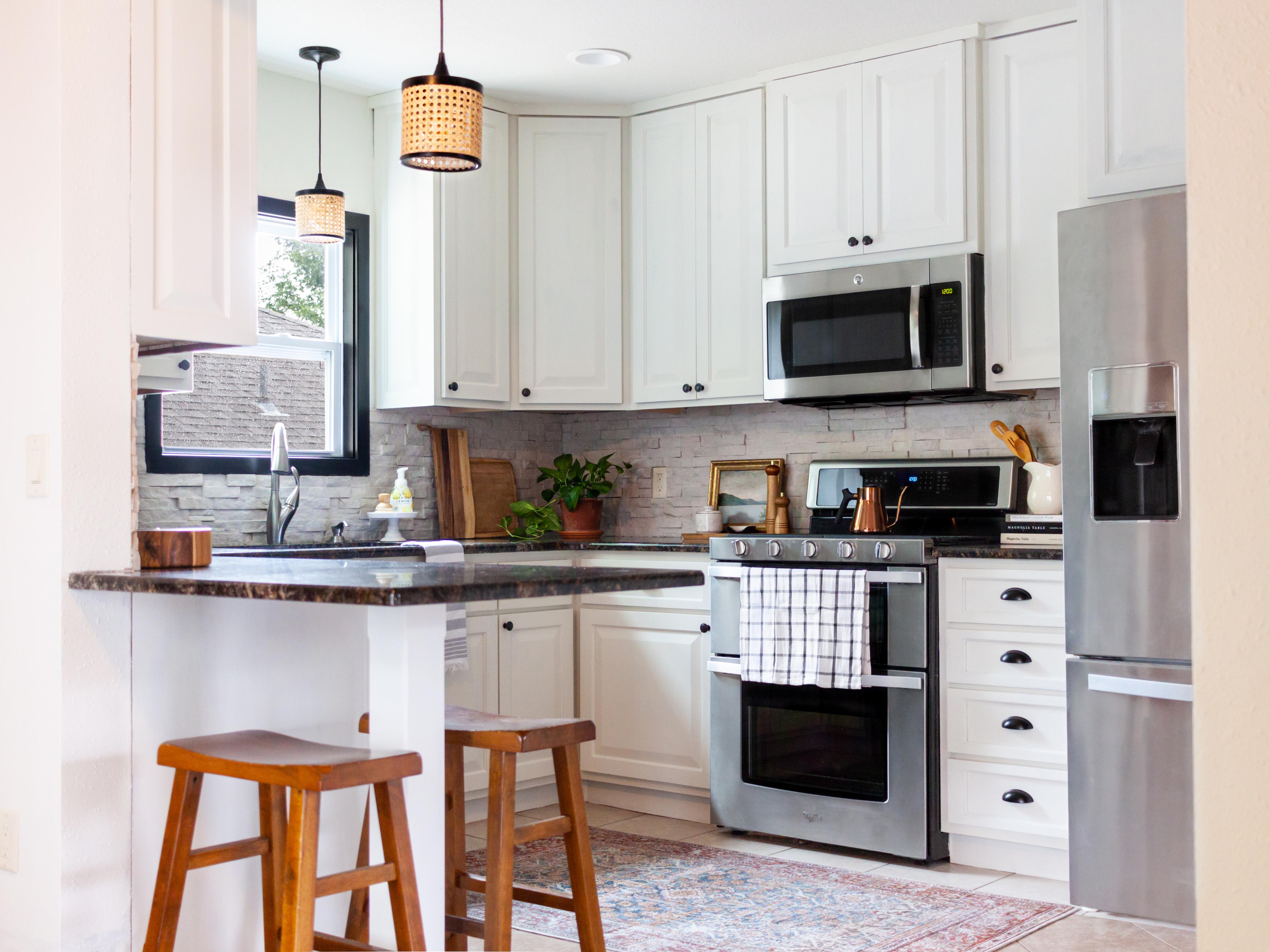 Briee Kitchen Horizontal